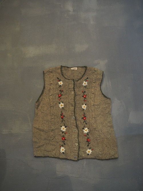 LANDHAUS Tyrolean Flower Embroidery Knit Vest [O-394]