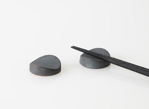 TSUKI カトラリーレスト(瓦食器・箸置き・2個セット)