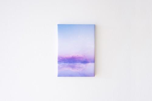 青い空と湖の、ファブリックボード