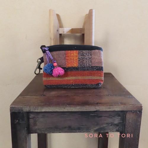 ◆出張中◆チェンマイ ナガ族の刺繍ポーチ ボンボン色 ピンク×青色