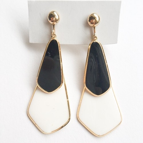 black & white dangle earring[e-922]