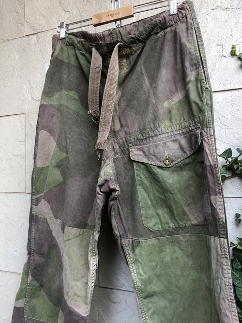1940s British SAS camouflage over trousers