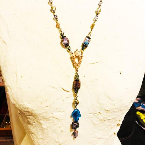 Item493 ヴェネチアンビーズ ブルーのキューブとアベンチュリ―ナのネックレス