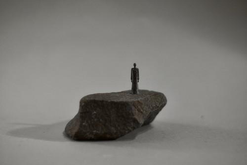 (108) pewter figure-mini石台付_010