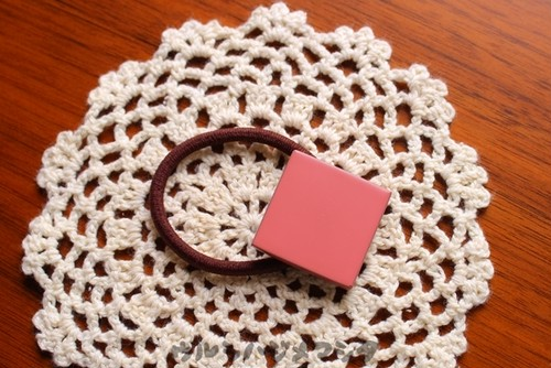 漆のヘアゴム【桃】(四角・大) / Square-shaped hair elastic in pink URUSHI[L]