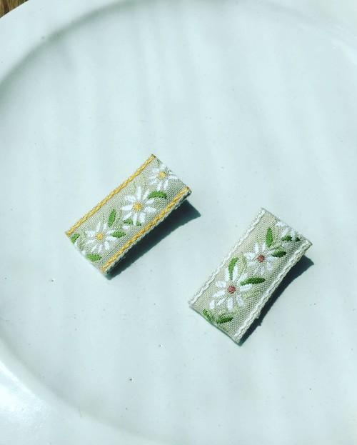 マーガレット刺繍 シンプルリボン ベビークリップ