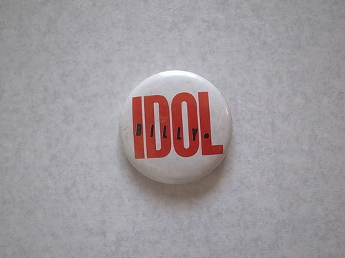 BADGE / BILLY IDOL