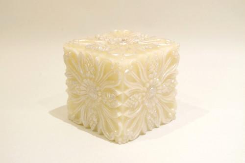 Campaka Cube/White
