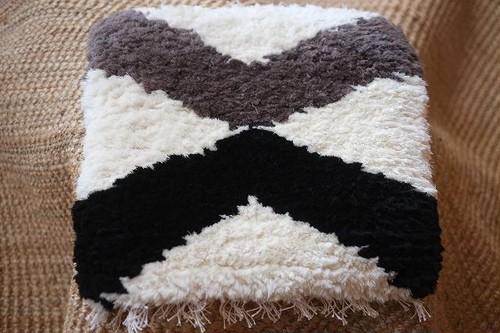ノッティング・・・手織りの椅子敷き・・・