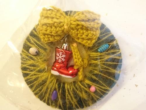 毛糸のクリスマスリース