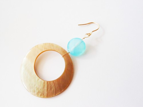 ◇sea blue chalcedony/shell◇14kgf「beach mood」ピアス