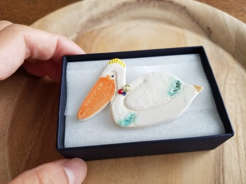 Ceramic pelican brooch(with beads)