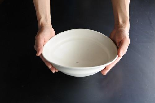 荒賀文成 白磁楕円鉢