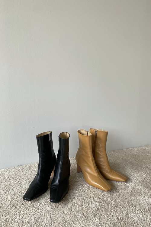 CLANE SQUARE SHORT BOOTS