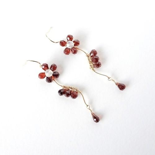 ガーネットのお花デザインピアス[P0206]m
