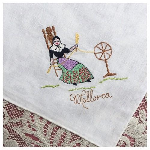 ヴィンテージ ハンカチーフ 刺繍 マダム Mallrca