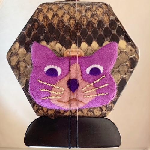 ハチ割れ紫ブチ猫(コントロールマスコット)
