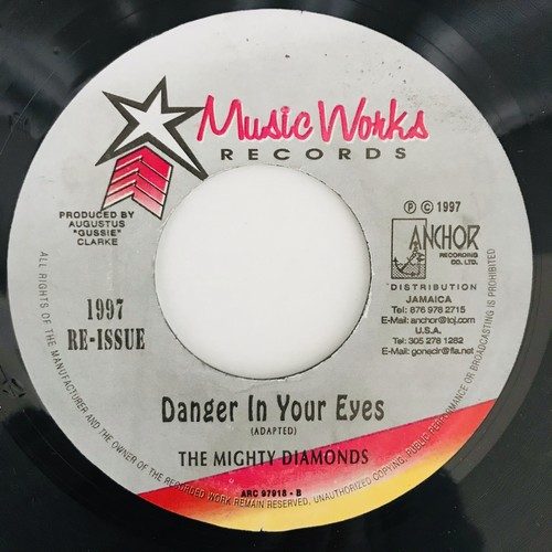 The Mighty Diamonds - Danger In Your Eyes【7-11030】