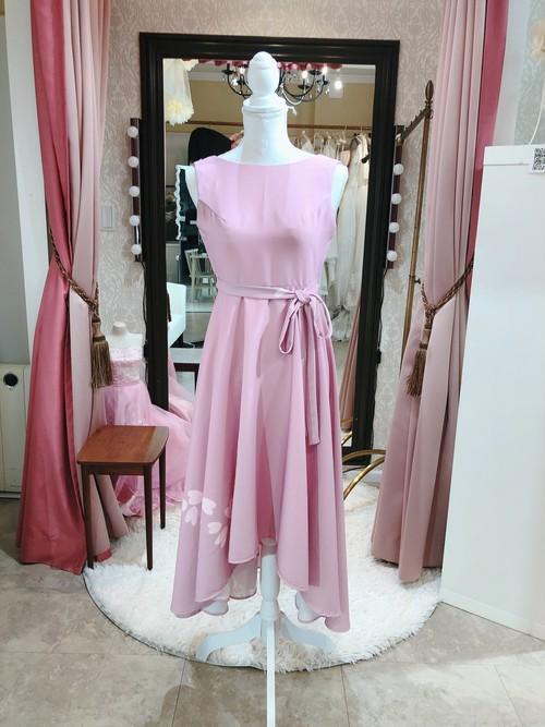 桜ピンクワンピース ミモレ丈 お呼ばれ テールスカート
