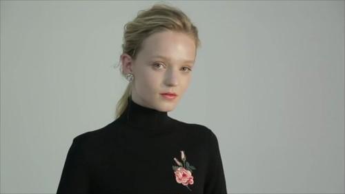 バラ刺繍 ボディスキニー タートルネック セーター