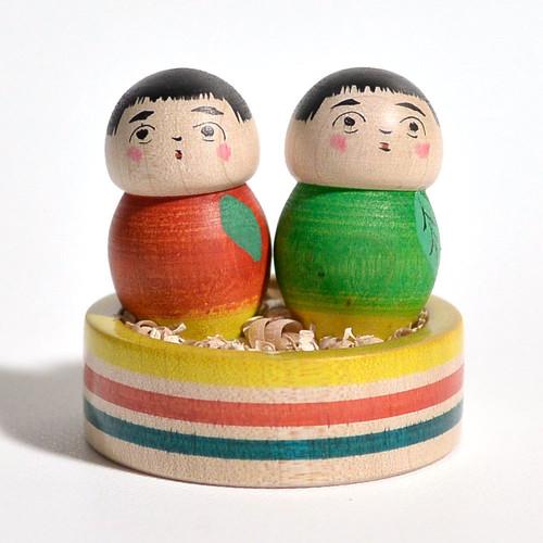 豆カップルりんごこけし 約1.5寸 約4.9cm 長谷川優志 工人(津軽系)#0050