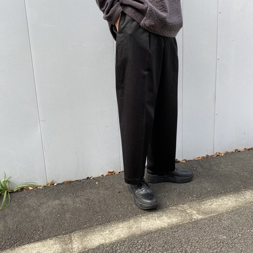 (MARKAWARE) NEW CLASSIC FIT TROUSERS