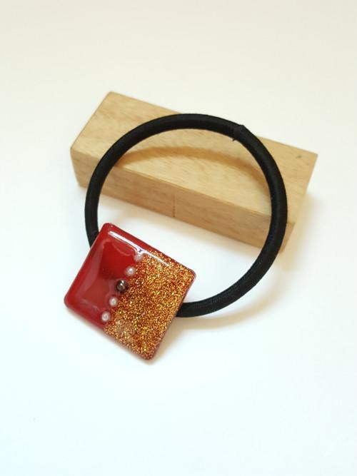 四角いヘアゴム 赤×グリッター