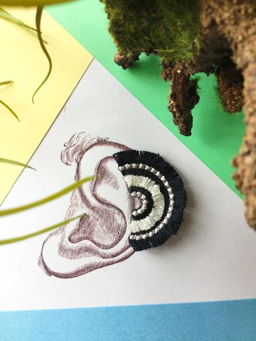 ARRO / 刺繍 / イヤークリップ / BLOOM / black