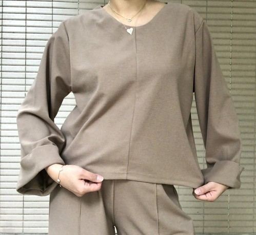 V neck tops 【New product】