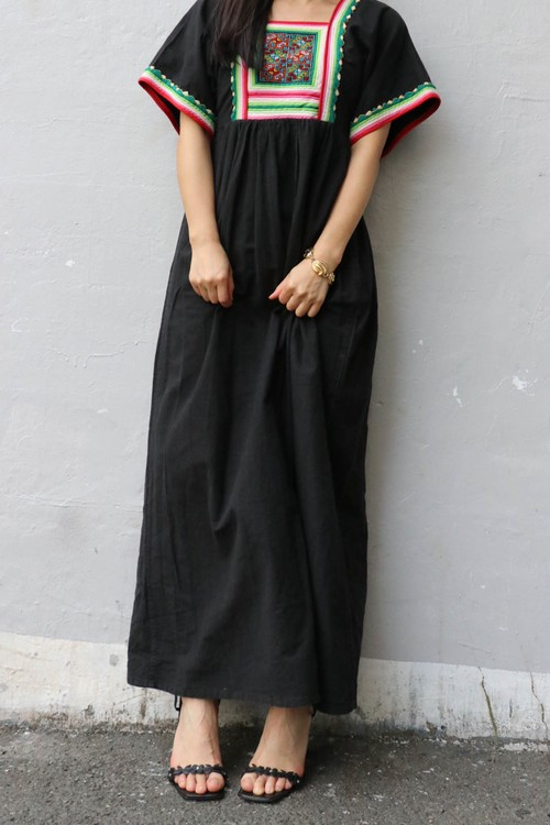 Embroidery black long dress