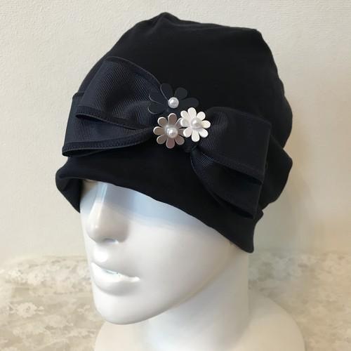 お花と縁取りリボンのケア帽子 ネイビー