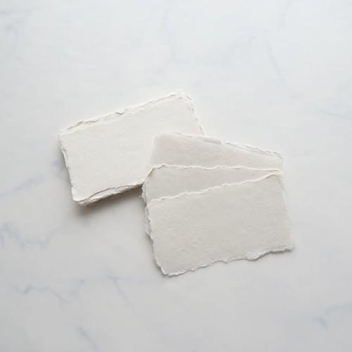 Place Cards Off White 5枚入り/ ハンドメイドペーパー カード - 6×10.5㎝