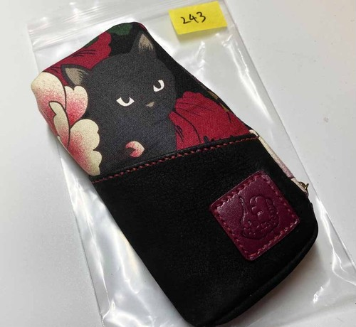 黒猫と革のL字ファスナーポーチ(赤x黒ヌバック) [243-pt]