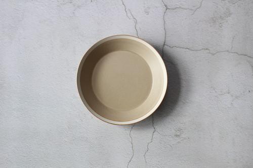 木村硝子×イイホシユミコ【Yumiko Iihoshi porcelain】 23cmプレート dishes 230 plate (sand beige) /matte