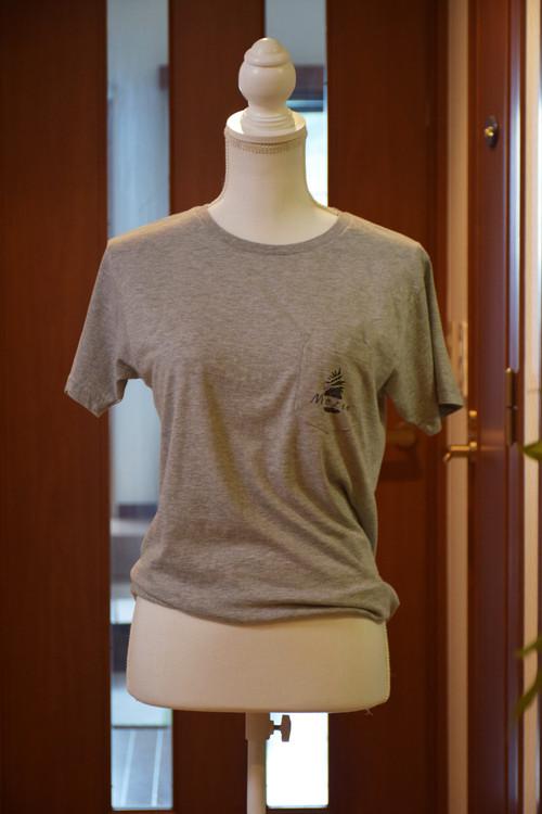 ポケット付きT-shirt