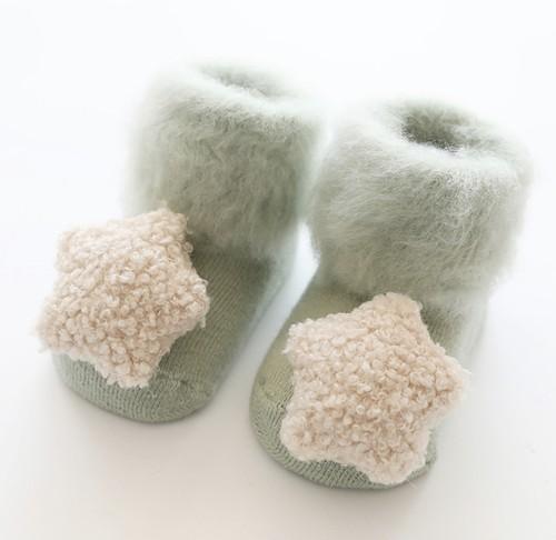 くすみカラーのふわふわベビーブーティ(靴のような靴下)フリーサイズ