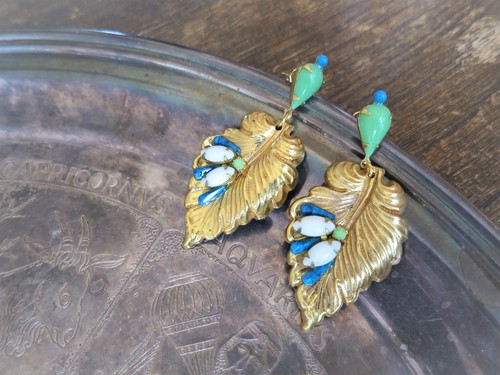 vintage pierced earrings Miriam Haskell <PE-MHlfgd>
