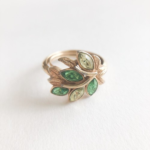 """AVON"" Leaf Lights ring #9-13[r-116]"