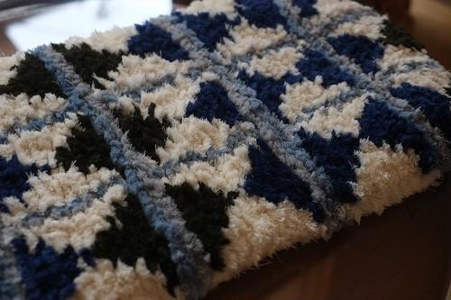 佐藤隘子さんのノッティング ー手織りの椅子敷きー 64.