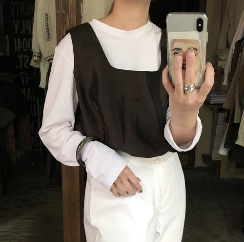 square neck gloss brown sleeve less tops