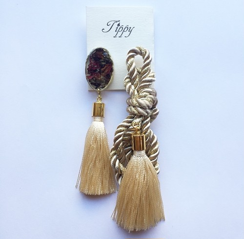 robe tassel pierce / earring