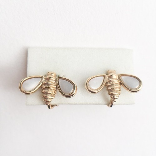 """""""AVON"""" Fashion Bee earring[e-875]"""