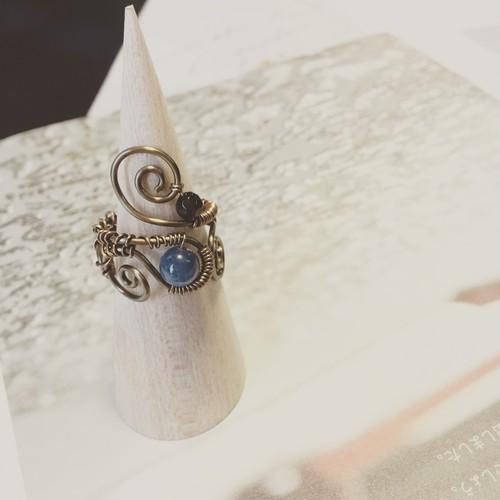 カイヤナイトの指輪