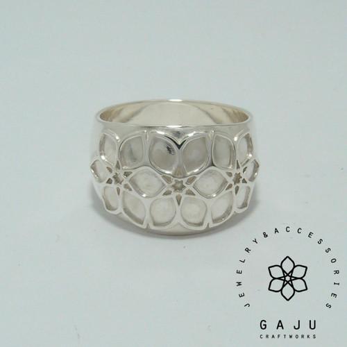 gajuvana Trinity wide ring (large)