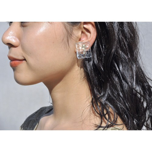 《 memo 》【 GLASS  wave square - earring & pierce - 】 イヤリング  / ピアス / bluegray / 手仕事 / handmade / Haruna Oikawa