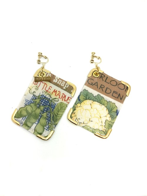 PVC vintage card earring