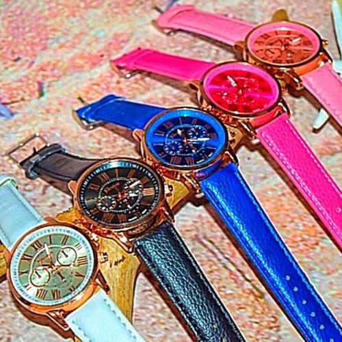 Bgnee Gold collar Watch