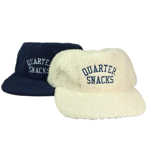 QUARTER SNACKS ARCH LOGO CAP Fleece