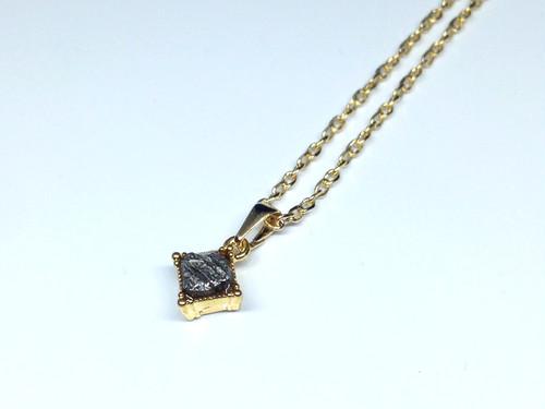 隕石ネックレス(ゴールド・スクエア)