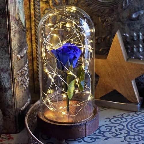 LEDライトが光る青バラのオブジェ:花言葉は夢かなう
